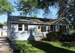 Foreclosed Home en GROVE AVE, Fox River Grove, IL - 60021