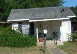 Foreclosed Home en MARTIN ST, Pleasanton, TX - 78064