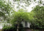 Foreclosed Home en OLCOTT ST, Lockport, NY - 14094