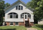 Foreclosed Home en W 3RD ST, Janesville, MN - 56048