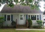 Foreclosed Home en BREWER ST, East Hartford, CT - 06118