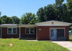 Foreclosed Home en CLINTON AVE, Haysville, KS - 67060