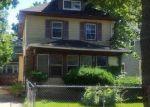 Foreclosed Home en W LENAWEE ST, Lansing, MI - 48915
