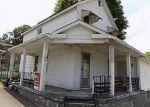 Foreclosed Home en PLUM WAY, California, PA - 15419