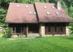 Foreclosed Home en CASEY FORK RD, Ashford, WV - 25009