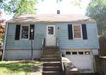 Foreclosed Home en NICHOLS DR, Waterbury, CT - 06708