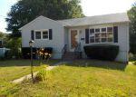 Foreclosed Home en TREE HILL RD, Waterbury, CT - 06708