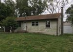 Foreclosed Home en SUSAN AVE, Saint Charles, MO - 63301