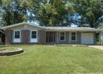 Foreclosed Home en BRENTHAVEN LN, Florissant, MO - 63031
