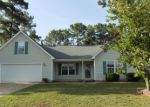 Foreclosed Home en PIONEER DR, Hope Mills, NC - 28348