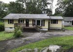 Foreclosed Home en MANATICUT RD, Highland Lakes, NJ - 07422