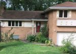 Foreclosed Home en SHIELA DR, Pittsburgh, PA - 15220
