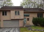 Foreclosed Home en S HIGH POINT DR, Traverse City, MI - 49684