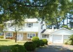 Foreclosed Home en COUNTRY CLUB RD, Willingboro, NJ - 08046