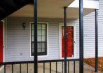 Foreclosed Home en WINDCHASE LN, Stone Mountain, GA - 30083