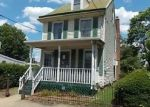 Foreclosed Home en LOCUST ST, Bristol, PA - 19007