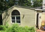 Foreclosed Home en S SHORE DR, Sussex, NJ - 07461