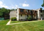 Foreclosed Home en STONEGATE LN, Stanhope, NJ - 07874