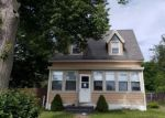 Foreclosed Home en CEDAR ST, Manchester, CT - 06040