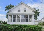 Foreclosed Home en WOODWARD AVE, East Providence, RI - 02914