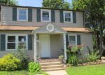 Foreclosed Home en PEARL ST, Westbury, NY - 11590