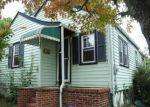 Foreclosed Home en GREENLAND AVE, Trenton, NJ - 08638