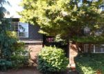 Foreclosed Home en S 176TH ST, Seattle, WA - 98188