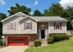 Foreclosed Home en ROEDEER DR, Clarksville, TN - 37042