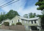 Foreclosed Home en CHASE HILL RD, Ashaway, RI - 02804