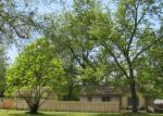 Foreclosed Home en AIRPORT RD, Waterford, MI - 48327