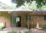 Foreclosed Home en N 16TH ST, Oakdale, LA - 71463