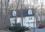 Foreclosed Home en CATHERINE DR, Meriden, CT - 06450