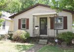 Foreclosed Home en E LAWRENCE ST, Decatur, IL - 62521