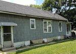 Foreclosed Home en W AVON ST, Freeport, IL - 61032