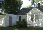 Foreclosed Home en S DOUGLAS AVE, Parkers Prairie, MN - 56361