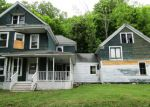 Foreclosed Home en HIGHLAND AVE, Dexter, ME - 04930
