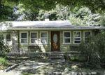 Foreclosed Home en LONGHOUSE DR, Hewitt, NJ - 07421
