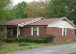Foreclosed Home en PENN DR, Trenton, TN - 38382