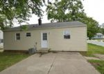 Foreclosed Home en BESS ST, Washington, IL - 61571