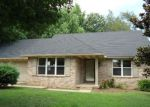 Foreclosed Home en TIMBERS DR, Henderson, KY - 42420