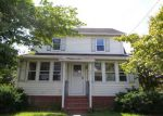 Foreclosed Home en N SCHOOL ST, Manchester, CT - 06042