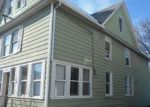 Foreclosed Home en BROADWAY, Milford, CT - 06460