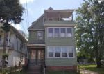 Foreclosed Home en GILBERT ST, West Haven, CT - 06516