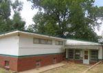 Foreclosed Home en W WASHINGTON AVE, Medicine Lodge, KS - 67104