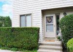 Foreclosed Home en FIDDLER GREEN RD, Stratford, CT - 06614