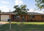 Foreclosed Home en W AVENUE A, Seminole, TX - 79360