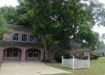 Foreclosed Home en WASHINGTON ST, Groves, TX - 77619