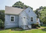 Foreclosed Home en PALMER AVE, Warwick, RI - 02889