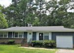 Foreclosed Home en N JACKSON ST, Raeford, NC - 28376