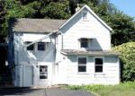 Foreclosed Home en TOWER ST, Huntington Station, NY - 11746